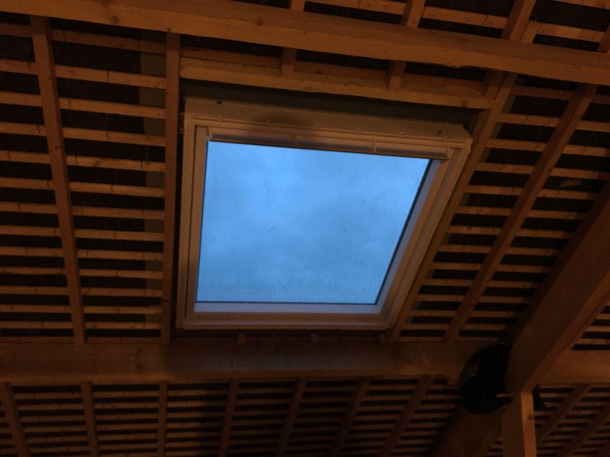 pose velux fen tre de toit bordeaux bassin d 39 arcachon ch ssis installation rotto artens couvreur. Black Bedroom Furniture Sets. Home Design Ideas